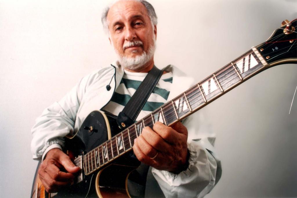 Roberto Menescal.