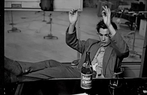 Na foto, o excêntrico pianista Glenn Gould.