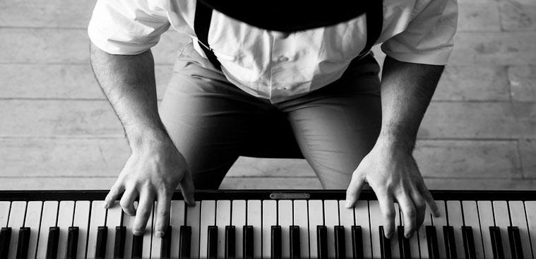 Os melhores cursos de piano e teclado online